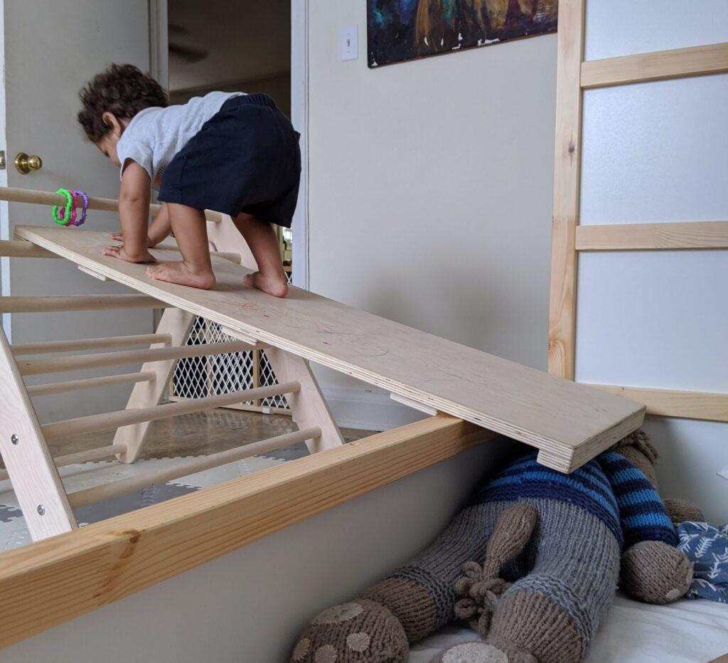 Pikler triangle floor bed ramp
